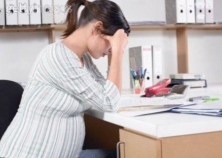 Đau đầu khi mang thai phải làm sao?